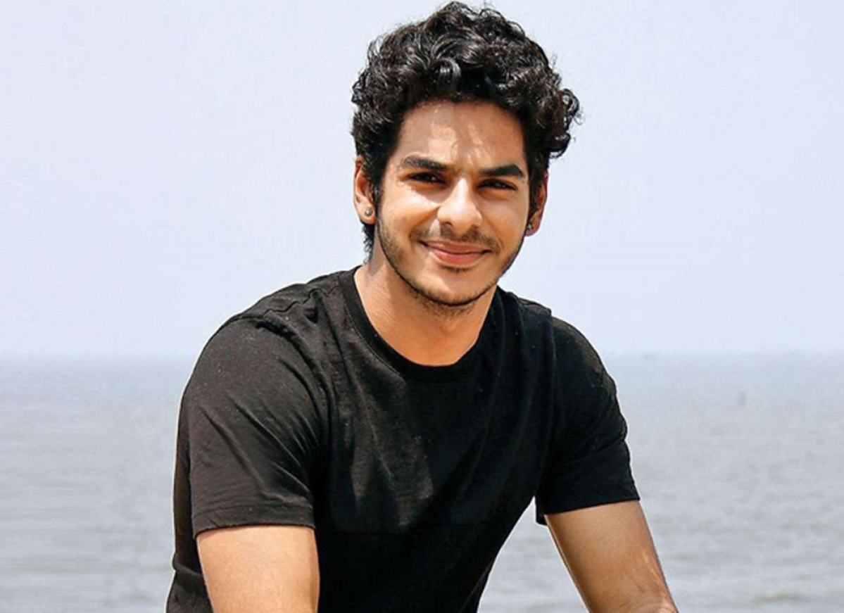 Has Ishaan Khatter finally given his nod for a biopic helmed by Rajinikanth's director?