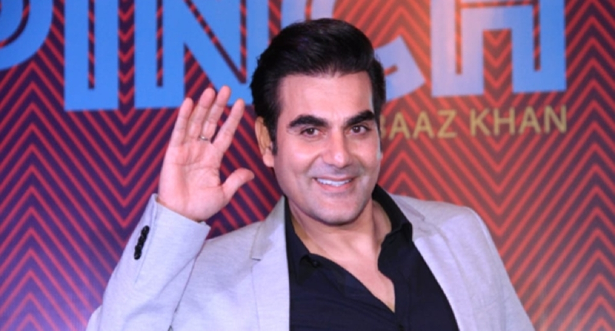 Arbaaz Khan will host a celebrity chat show Pinch; Kareena and Sonam will be the first guests