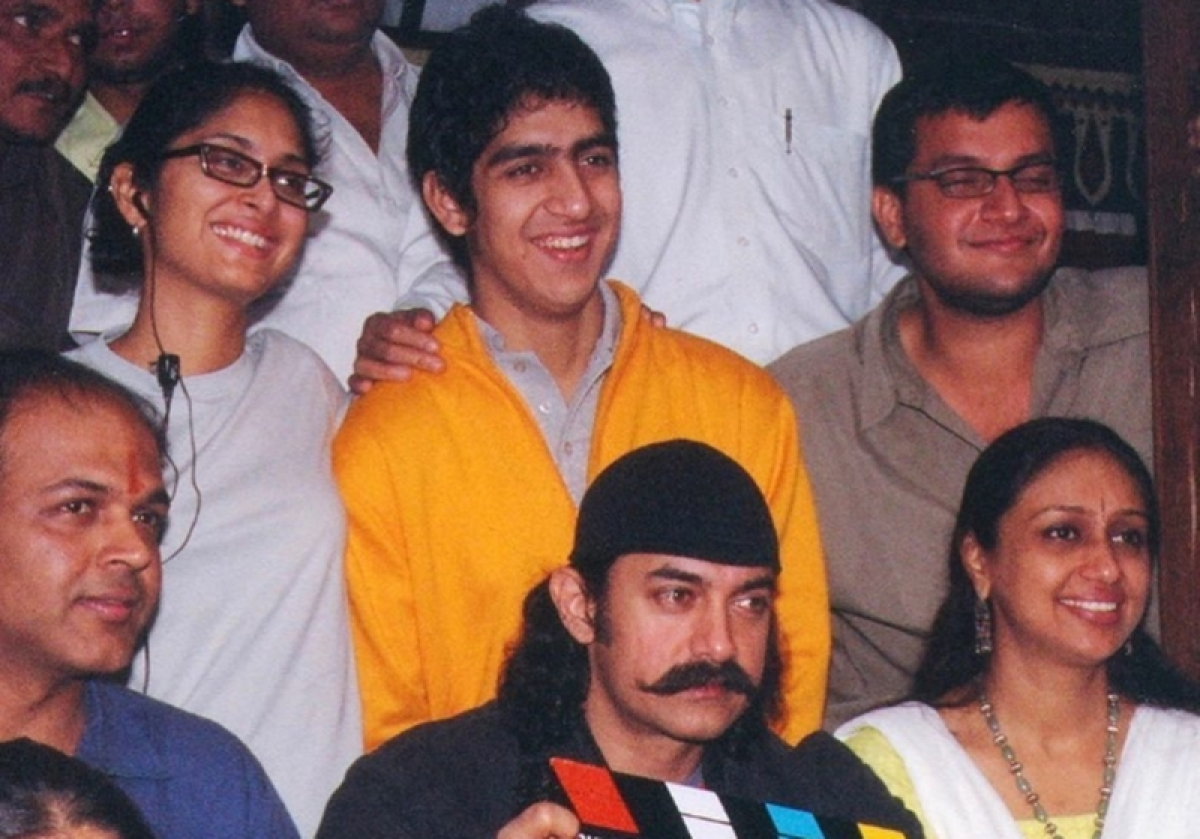 Ayan Mukerji shares a throwback picture from his 'Swades' days and it is sheer nostalgia
