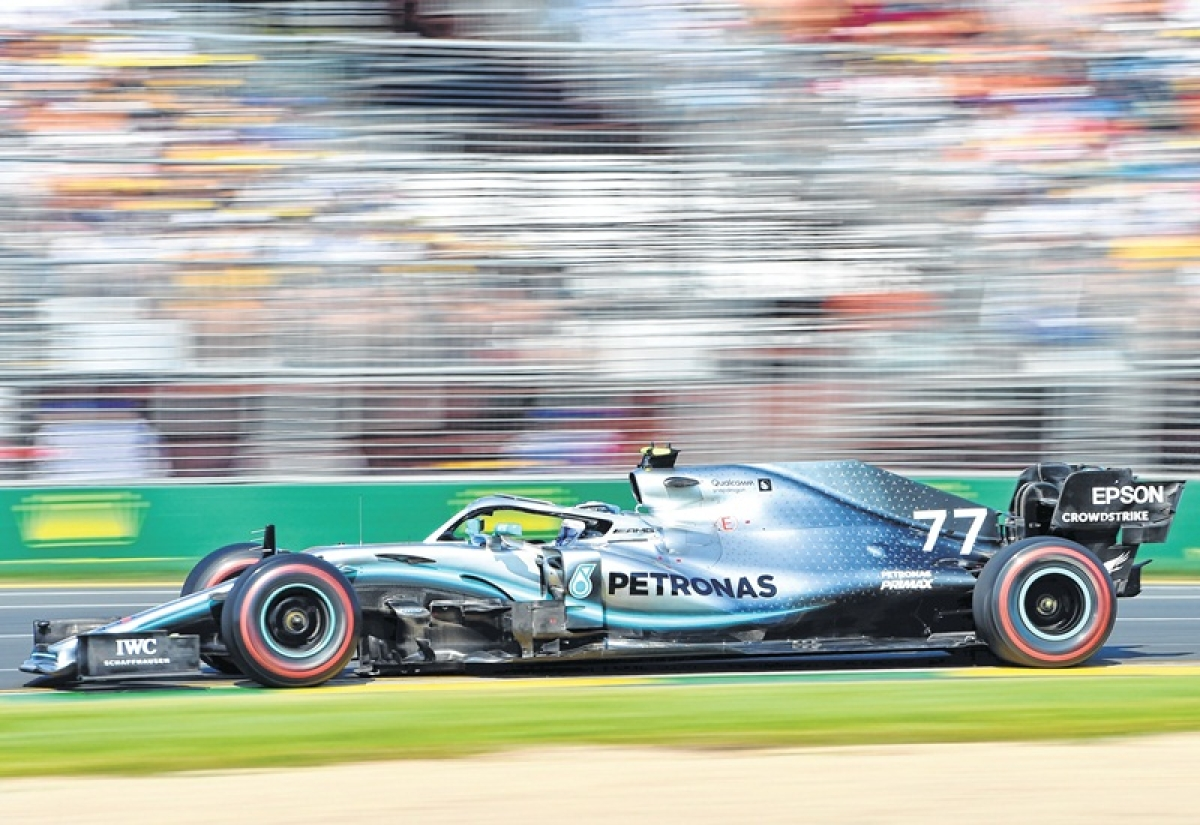 Flying Fin upstages lewis hamilton