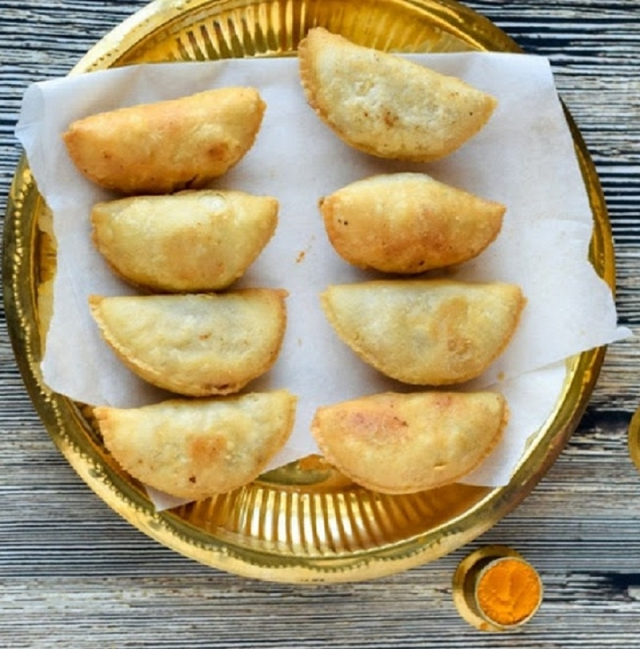 Holi 2019: 3 gujiya recipes by popular chefs that are a must try!