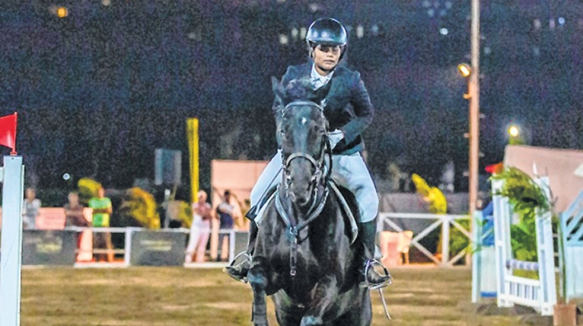 Innara Luthria astride Eqnnex gallops away with title