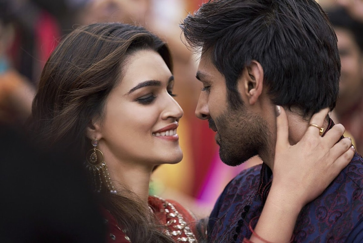 'Luka Chuppi' box office Day 3: Kartik Aaryan, Kriti Sanon starrer collects Rs 18.09 crore