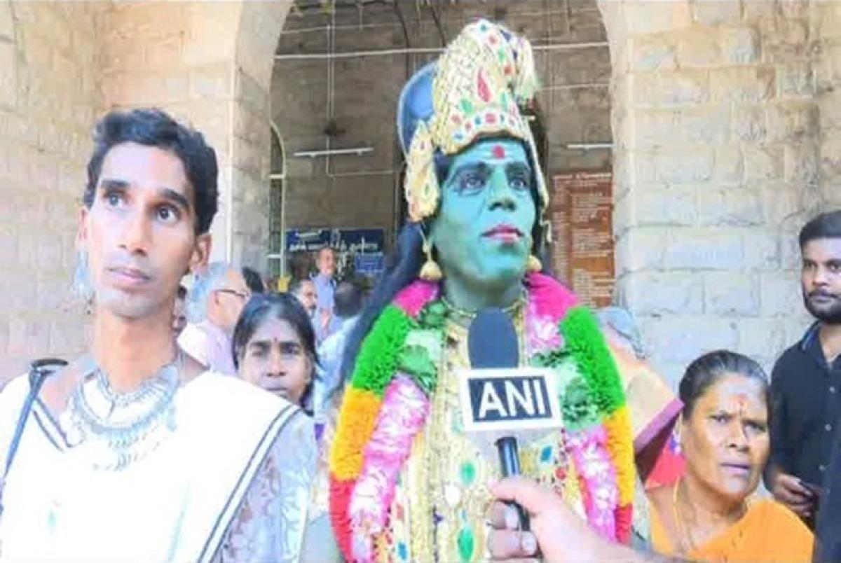 Lok Sabha elections 2019: Dressed as Goddess Meenakshi, transgender activist files nomination from Madurai
