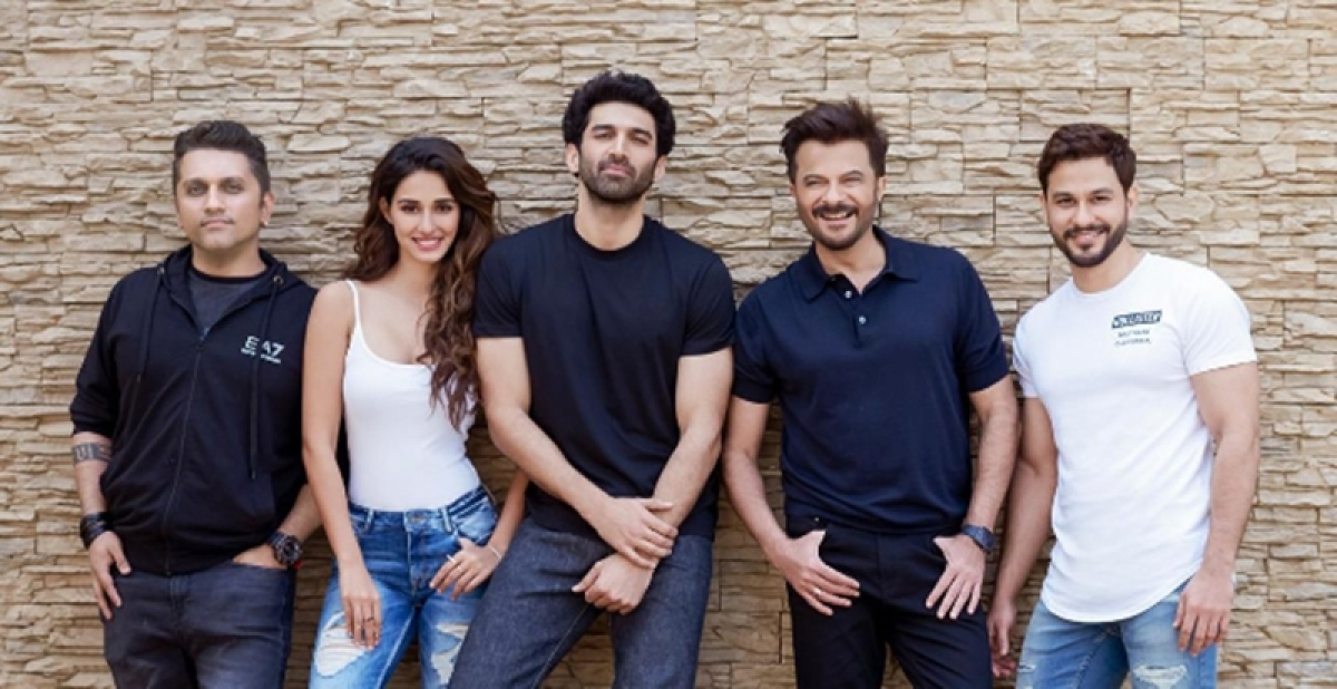 Netizens compare Anil Kapoor at age 30 and 62 after Malang announcement photos go viral