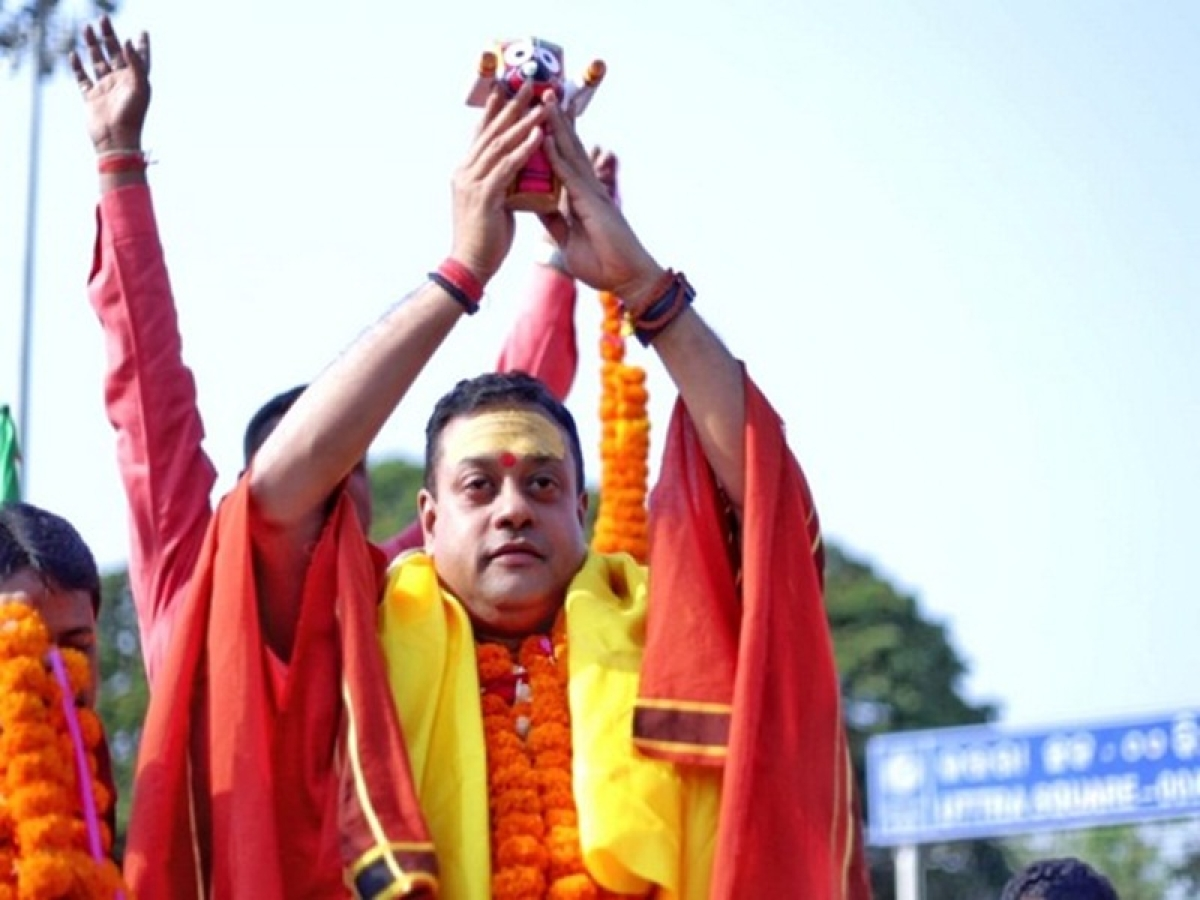 MCC violation complaint lodged against Sambit Patra for holding Jagannath idol during election rally