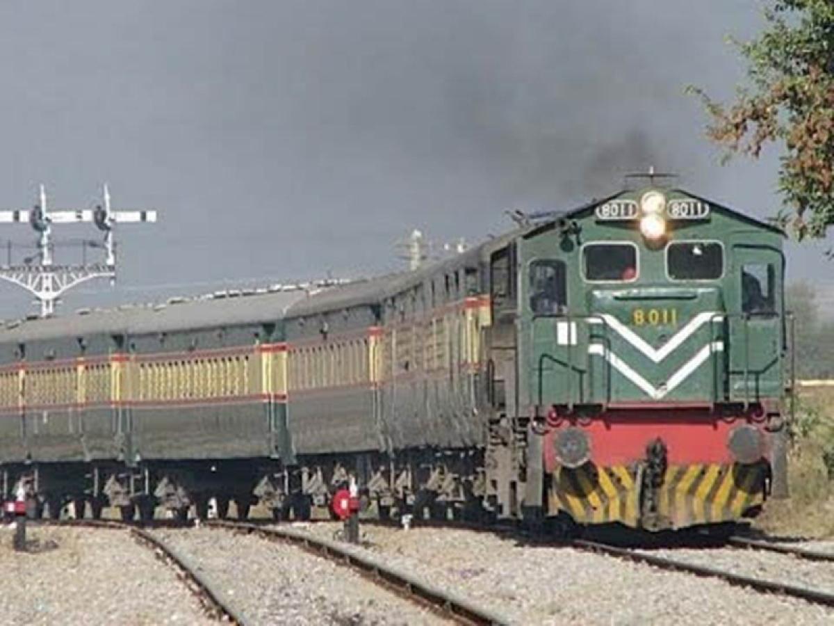 Pakistan 'permanently discontinues' Samjhauta Express train service with India
