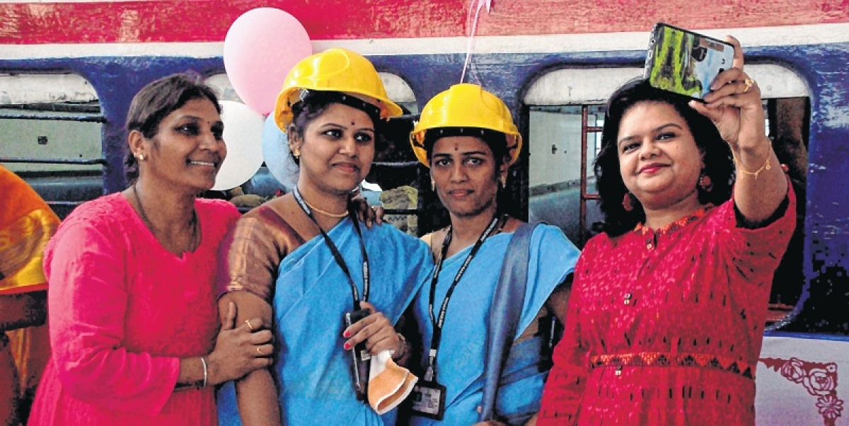 Mumbai: Women drivers to be recruited in MSRTC in large numbers, says Diwakar Raote