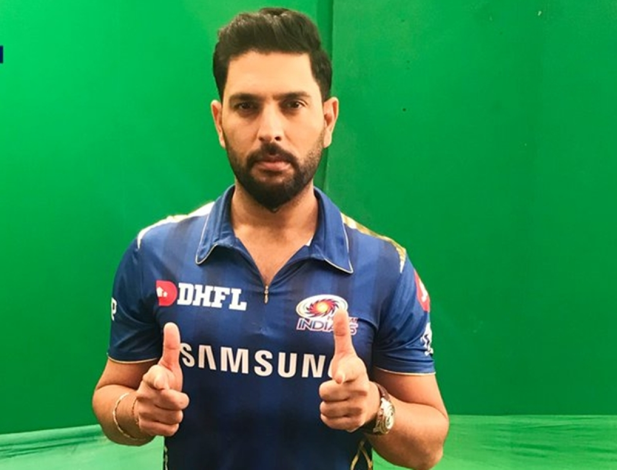 Number 12 back in Blue! Yuvraj Singh poses in new Mumbai Indians jersey like a pro, fans goes gaga over his swag