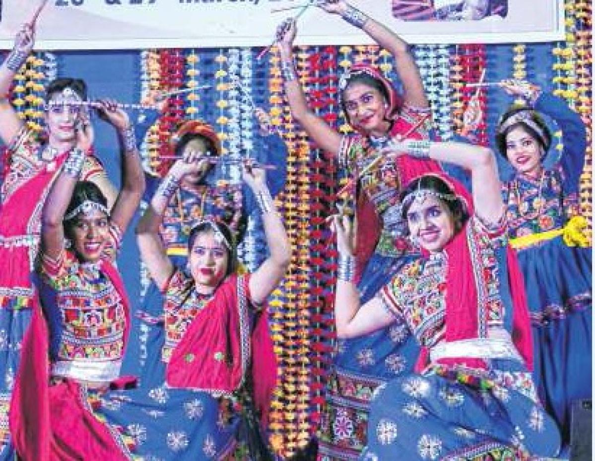 Bhopal: Folk music, ramp walk mark 'Utkarsh 2k19'