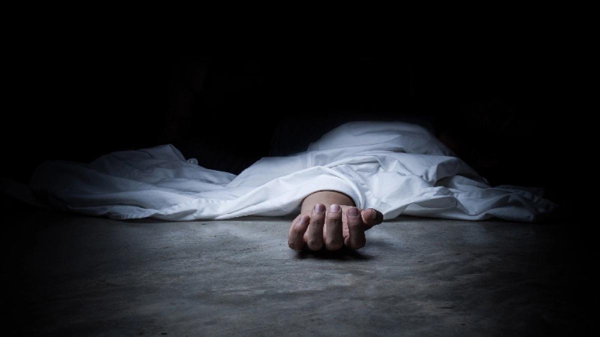 Pari-war: Bodies of man, wife & daughter found inside house