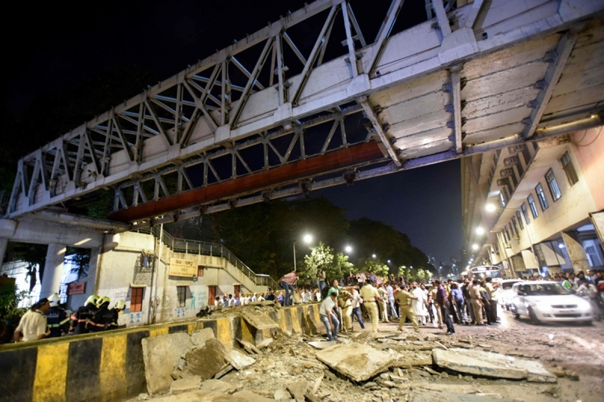 """CSMT bridge collapse: Two BMC engineers file bail pleas, claiming the case against them is """"false and concocted"""""""