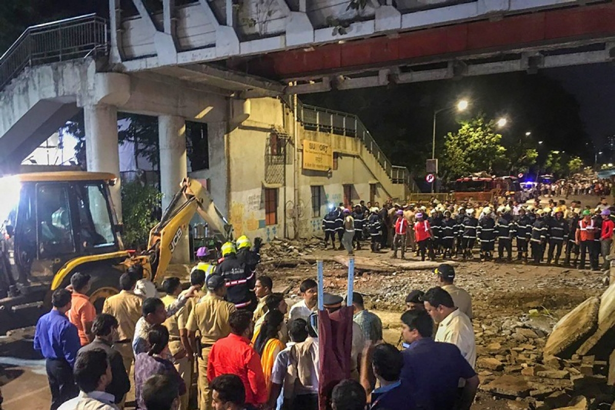 CSMT bridge collapse: BMC assistant engineer held
