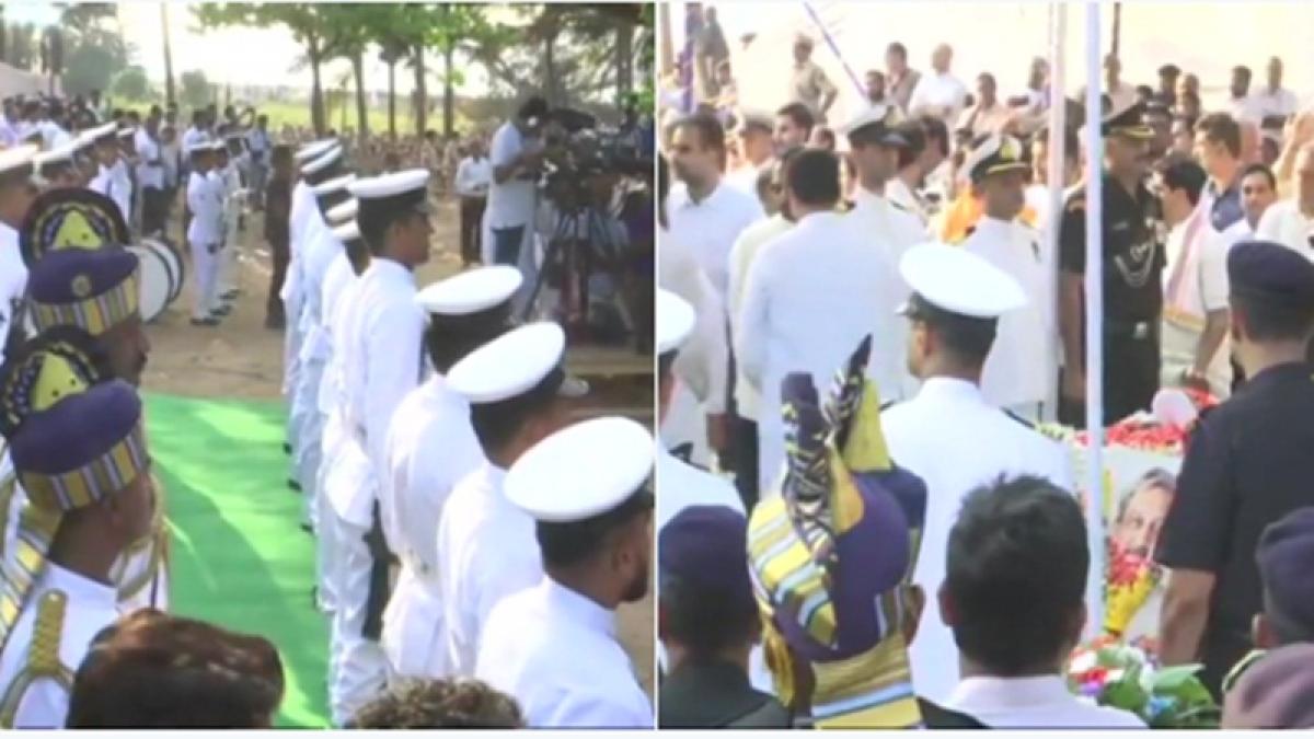 Manohar Parrikar cremated with state honours; thousands bid adieu