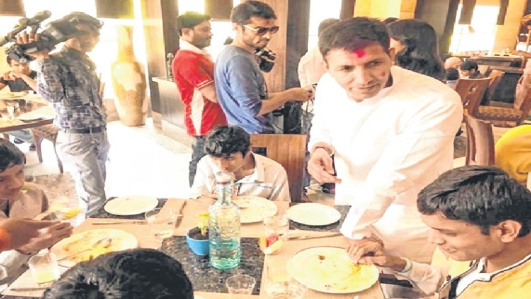 Indore: Patwari takes 50 kids to five-star hotel