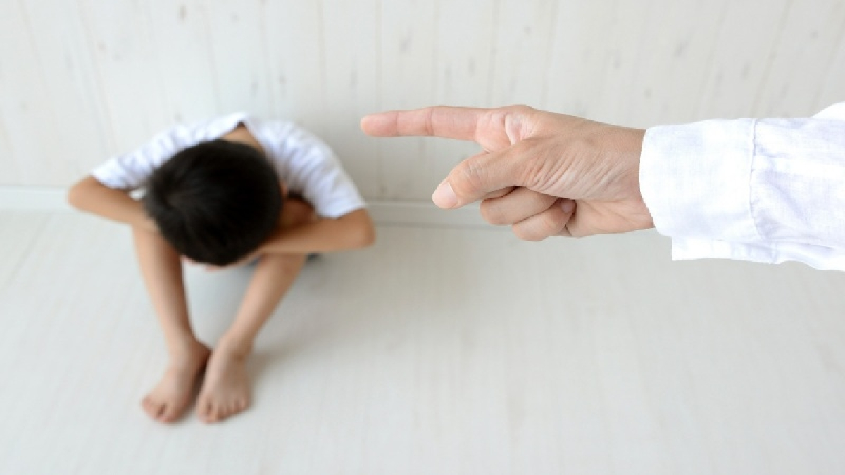 Japan to ban parents from physically punishing kids
