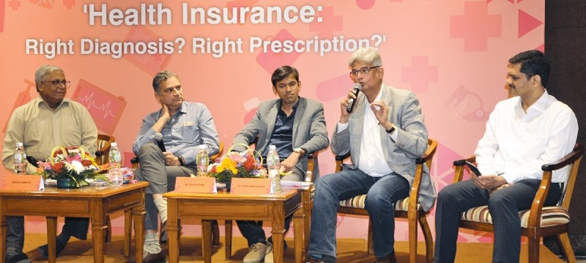 (L to R)  R N Bhaskar, Madan Sabnavis,  Rohit Sane, Hiren Ambegaokar, and S Narayanan