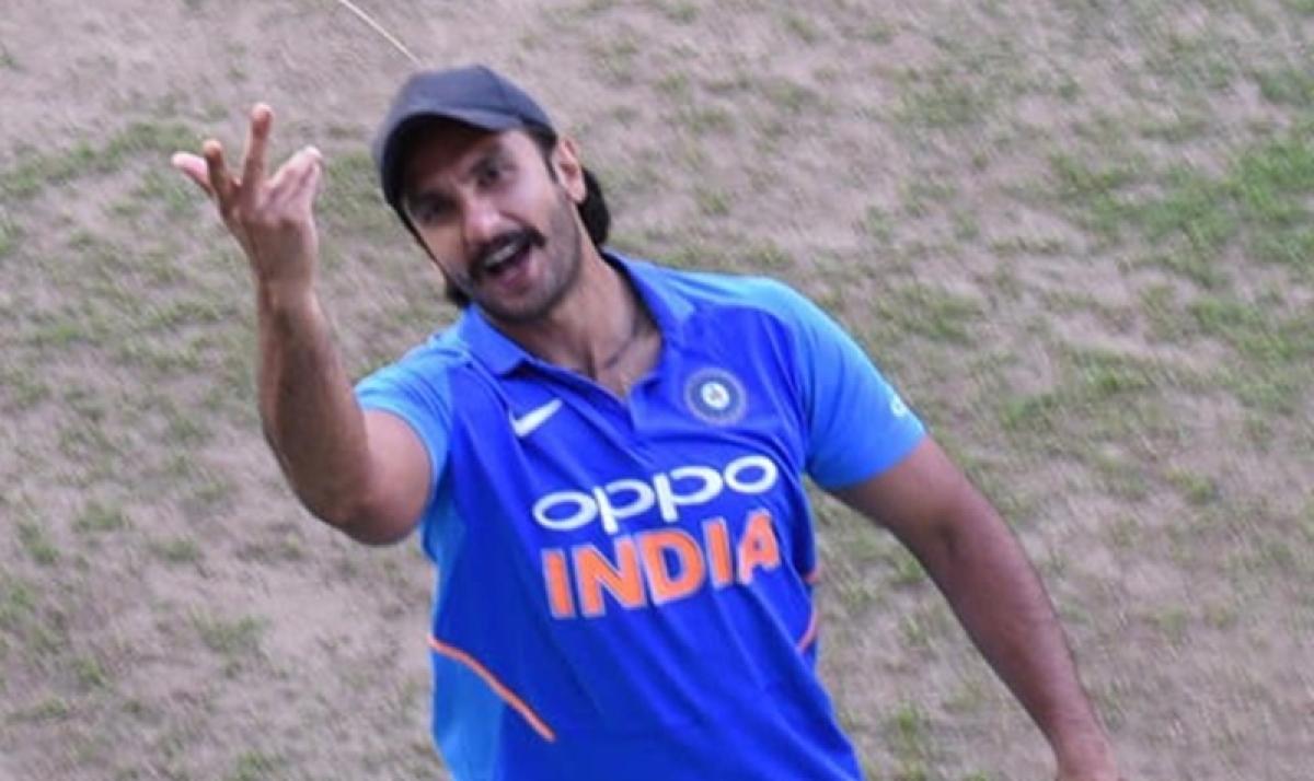 '83: Ranveer Singh begins training with Kapil Dev; snapped while greeting fans