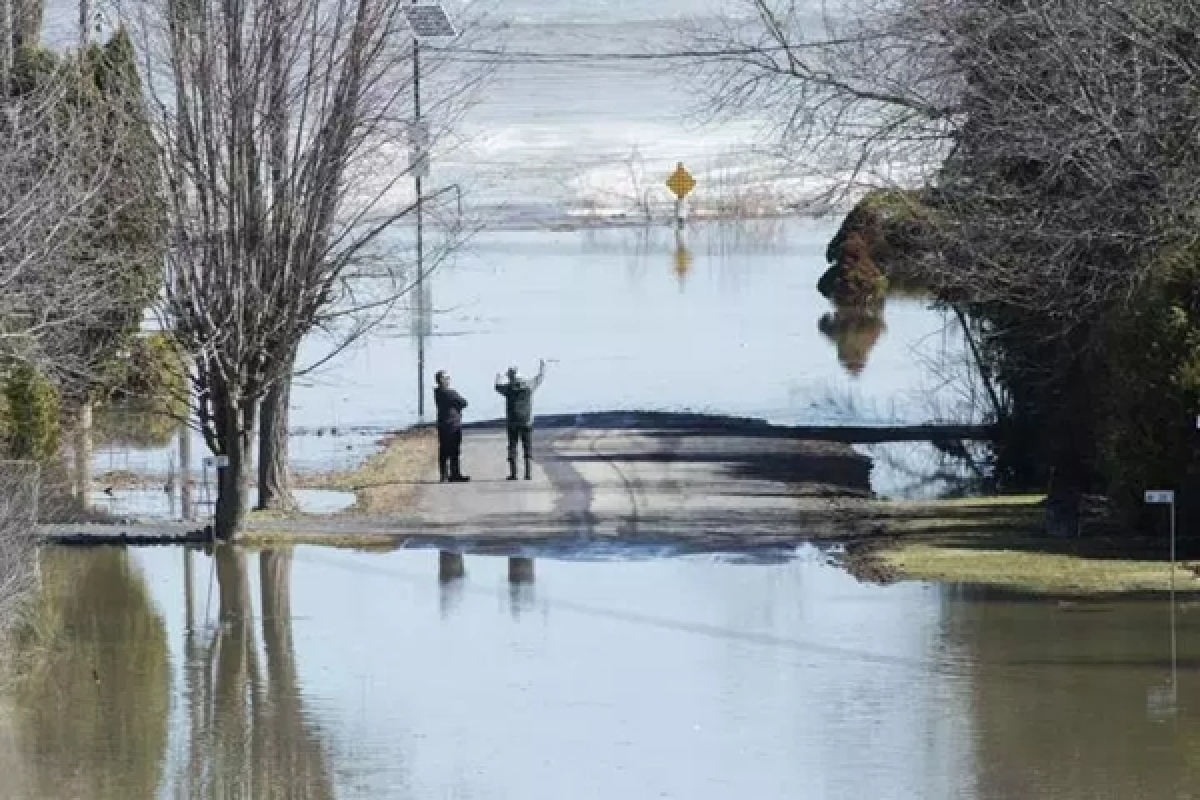 Flood-hit Ottawa declares emergency