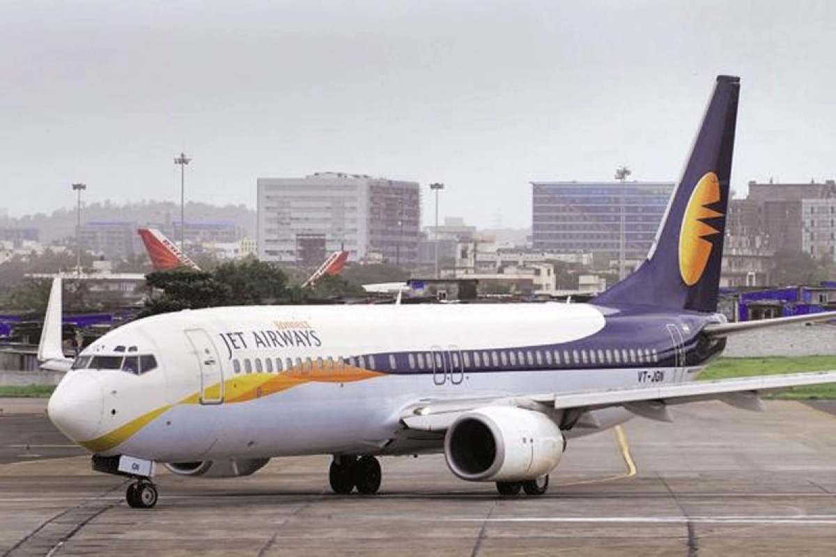 Vinay Dube tells Jet staff no word from promoters, banks on salaries