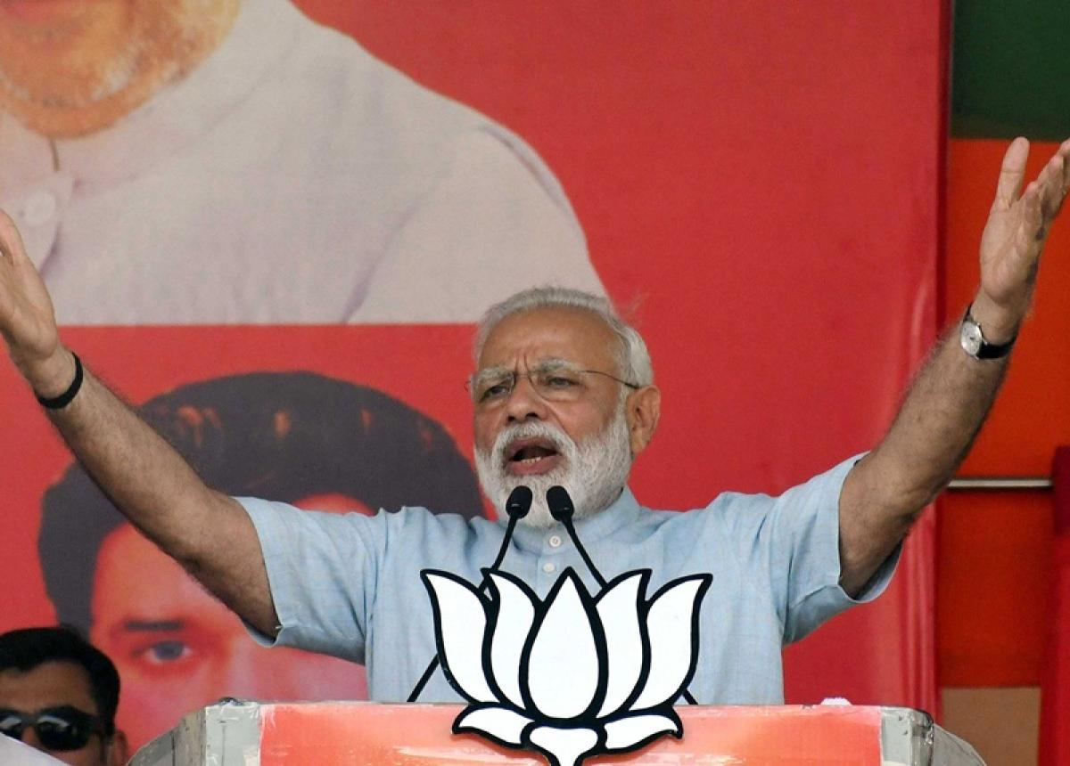 PM Modi accuses Mamata Banerjee, nephew of looting Bengal; Dadagiri in Didi den
