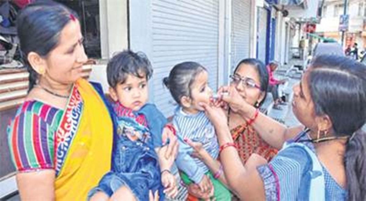 Polio vaccine fears spread panic in Pakistan