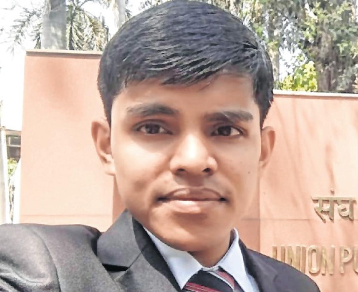Indore: City boy Pradip Joshi bags 93rd rank in UPSC exam