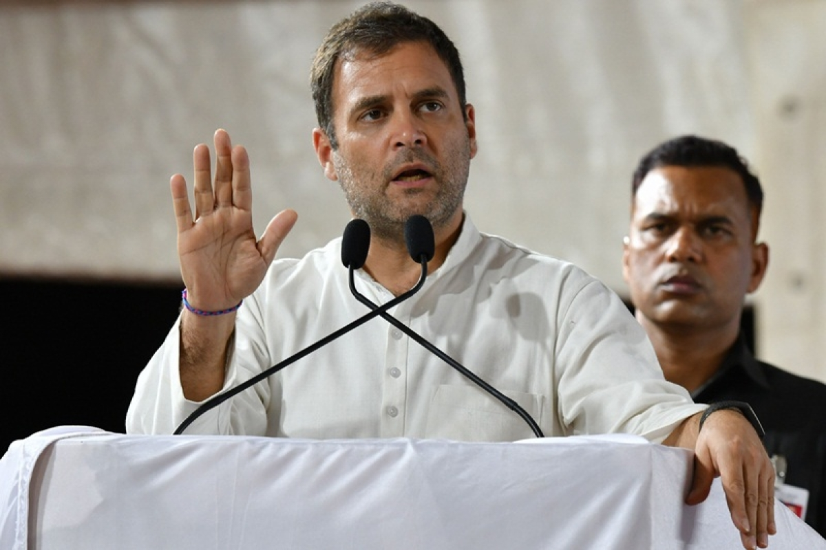 Congress workers protest outside Rahul Gandhi's residence