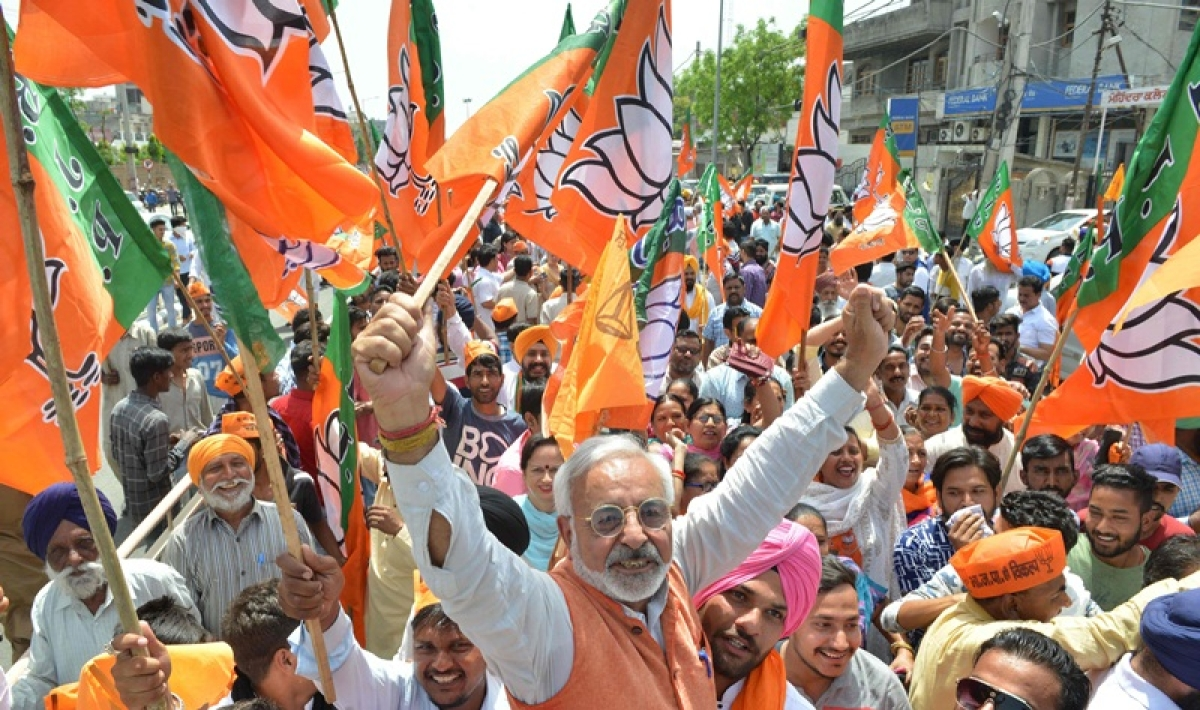 Mumbai: Campaigning for Lok Sabha polls ends today; parties, candidates gear up for final show