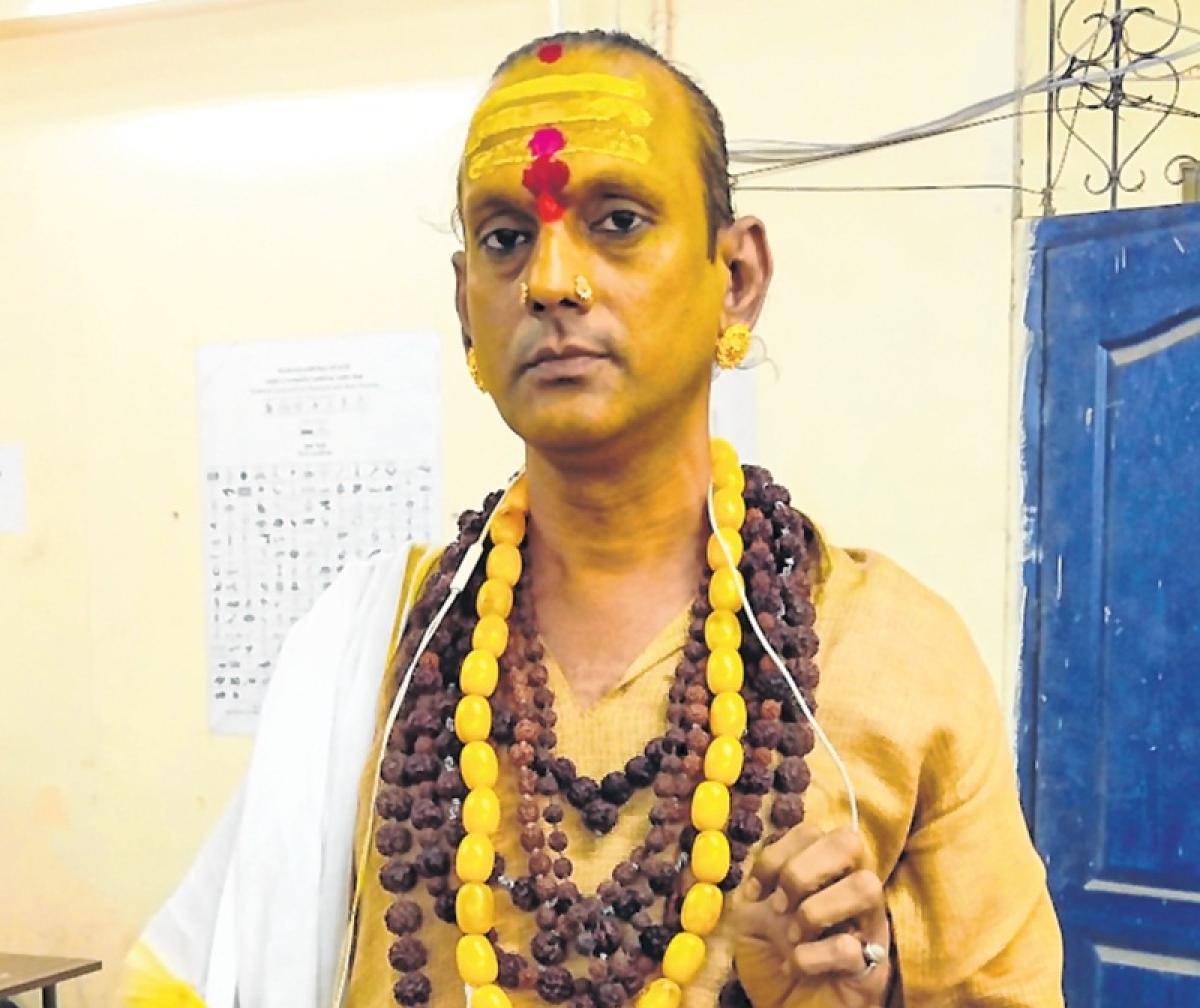 A transgender from Mumbai North East