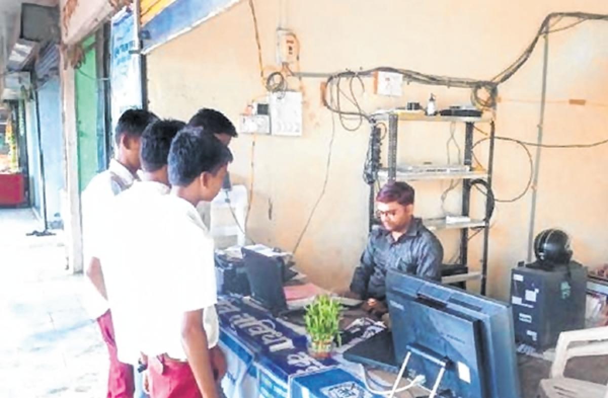 Lok Sabha elections 2019: Government counters Raj Thackeray's claims on digital village Harisal