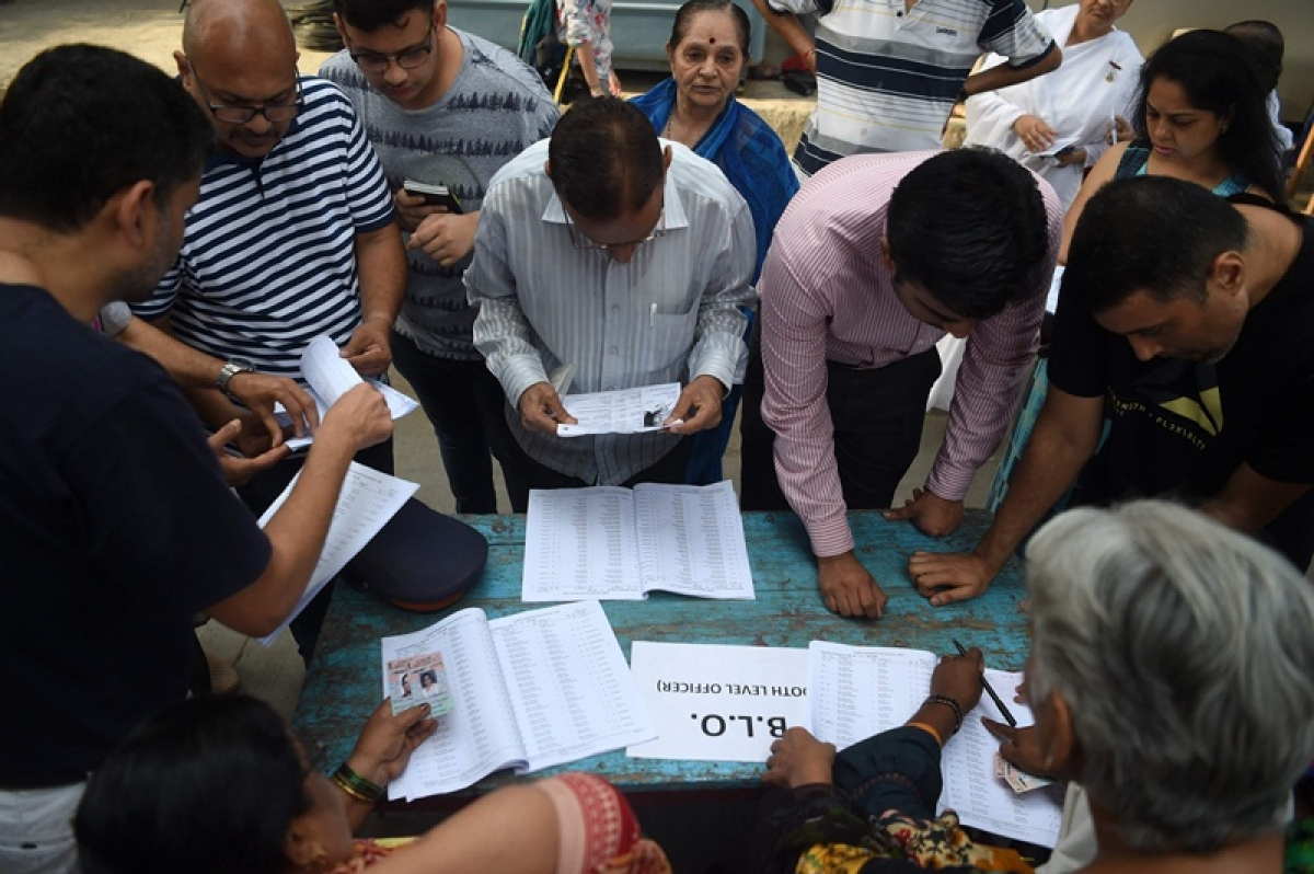 Lok Sabha elections 2019 – Phase 4: After missing names in voters' list, now bogus voting reported in Dadar, Vasai, Charkhop