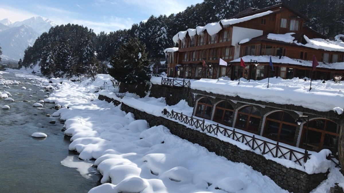 Hotel Heevan Pahalgam located near Lidder River