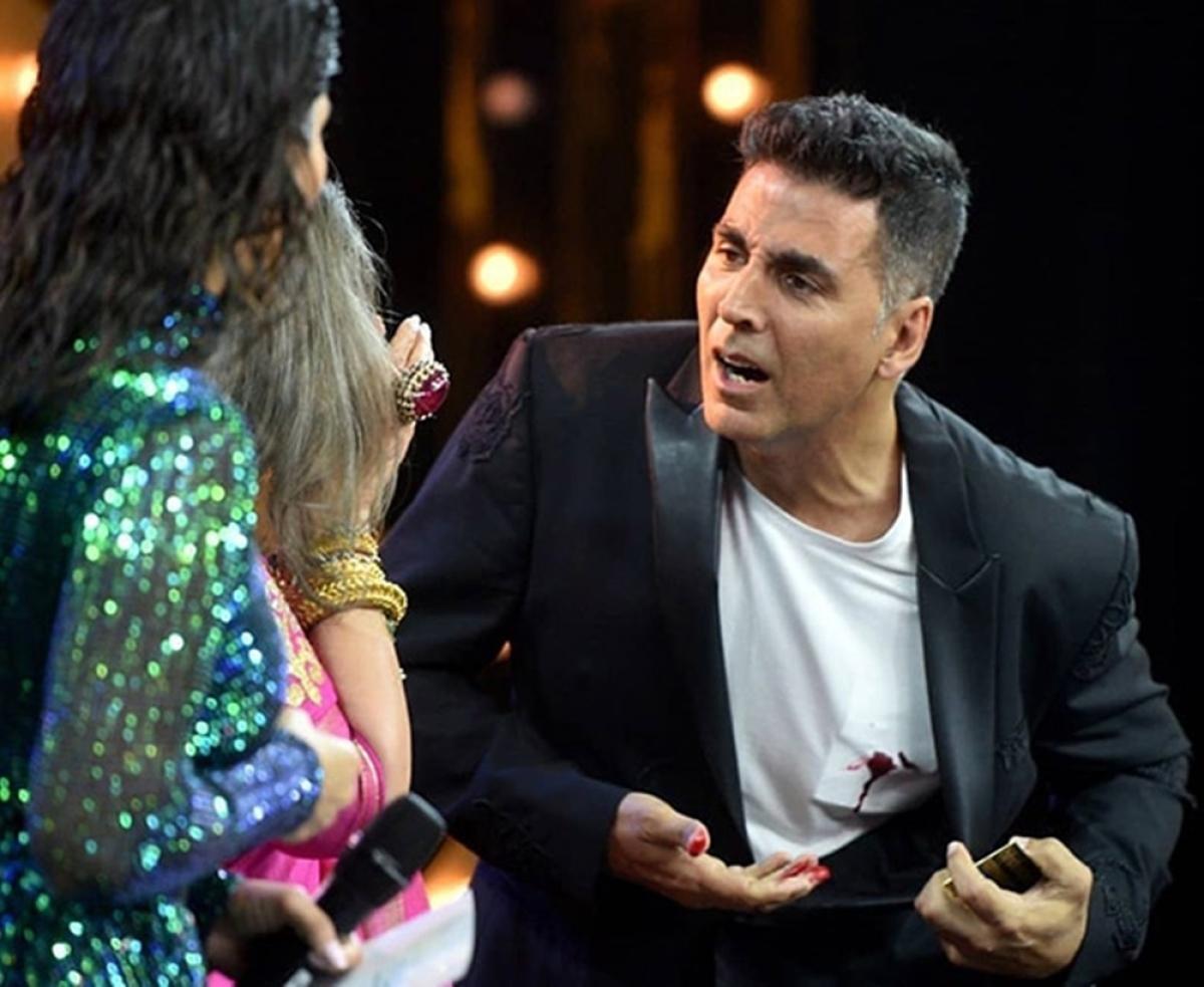HT Most Stylish Awards 2019: Akshay Kumar scares Dimple Kapadia with his blood stained shirt