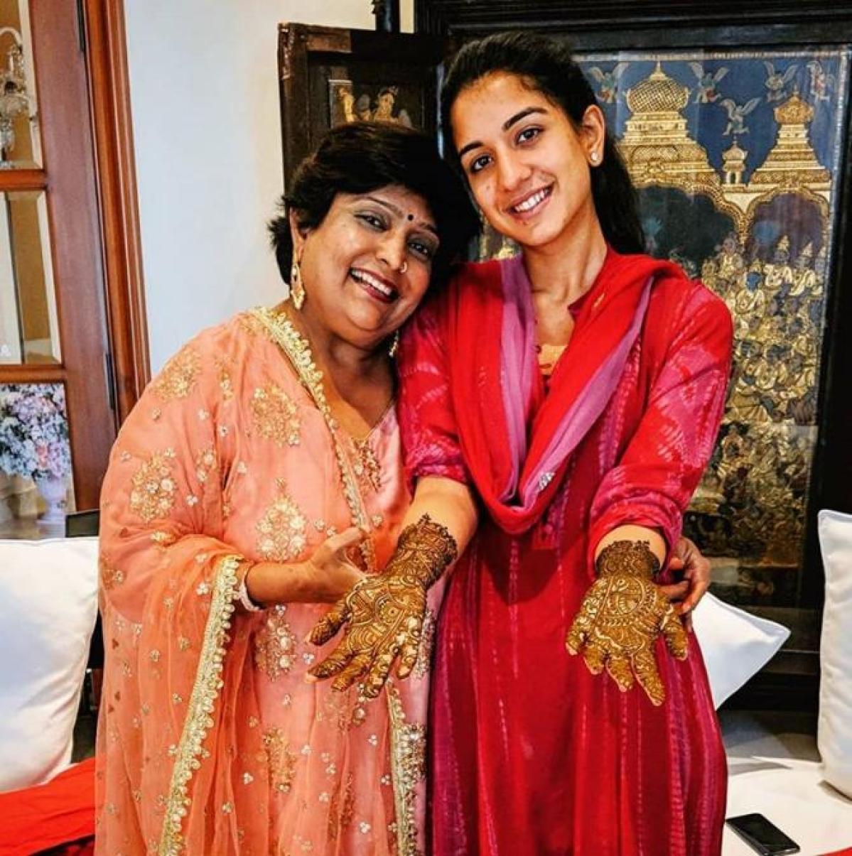 Radhika Merchant slays in her 'No make-up' look atAkash -Shloka's mehendi ceremony