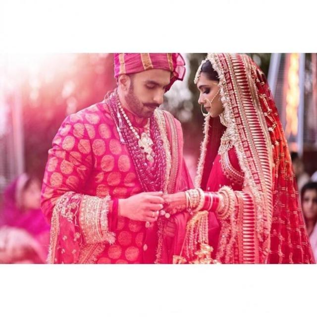 This Indian bride wore a knockoff Sabyasachi lehenga similar