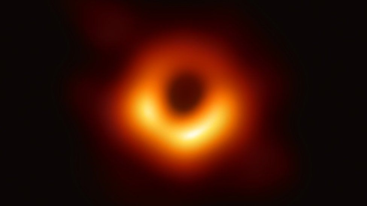 The first Black Hole's algorithm and the woman behind it