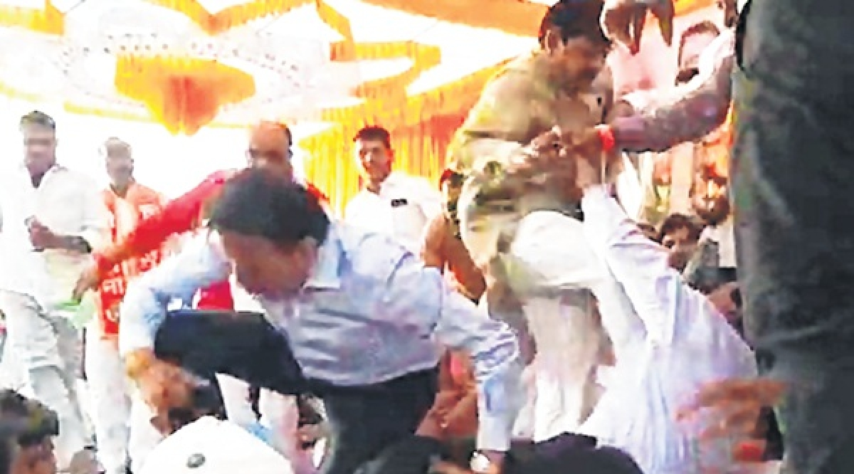 Lok Sabha elections 2019: Infighting in BJP erupts in blows as rival factions clash amidst public meeting