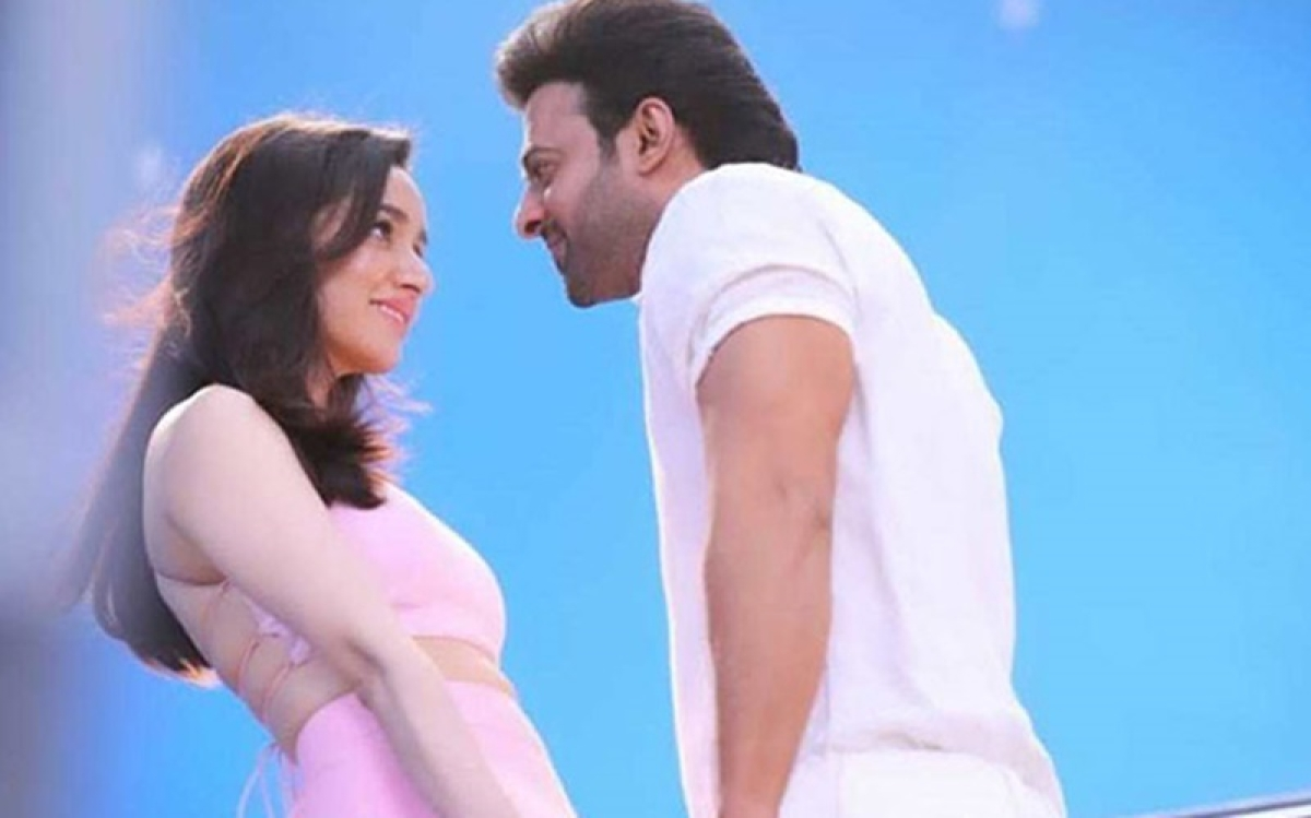 Saaho: Photos of Shraddha and Prabhas shooting for a romantic song leaked