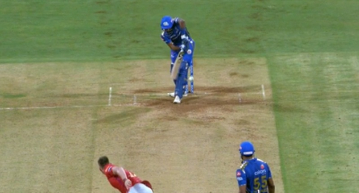Watch: Lucky Hardik Pandya evades getting out as ball reaches boundary after hitting stumps