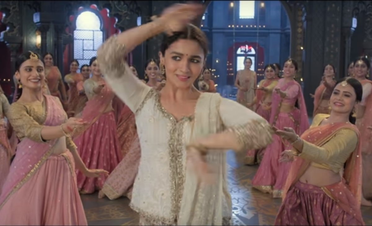 Practice for a year, training with Birju Maharaj: Alia Bhatt's Kathak dance prep for 'Ghar More Pardesiya' will raise your brows