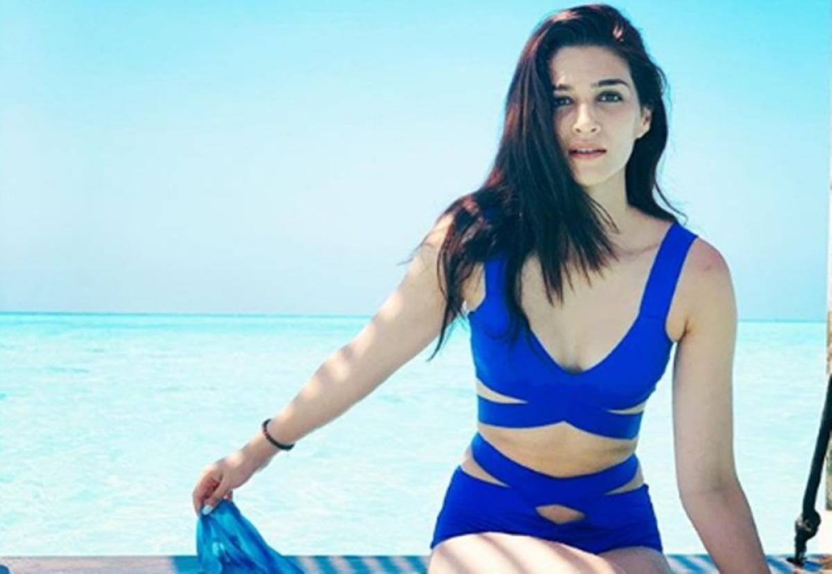 Kriti Sanon in a royal blue monokini will drive away your Monday Blues