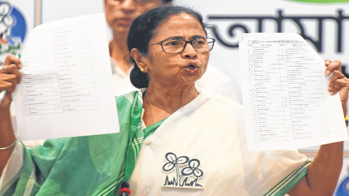 Mamata writes to EC against transfer of top police officials