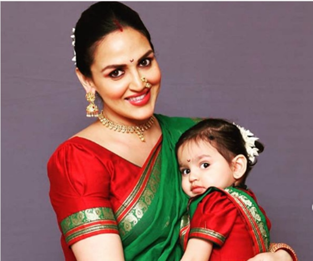 Esha Deol twinning with her daughter Radhya in a green nauvari sari is too cute to miss