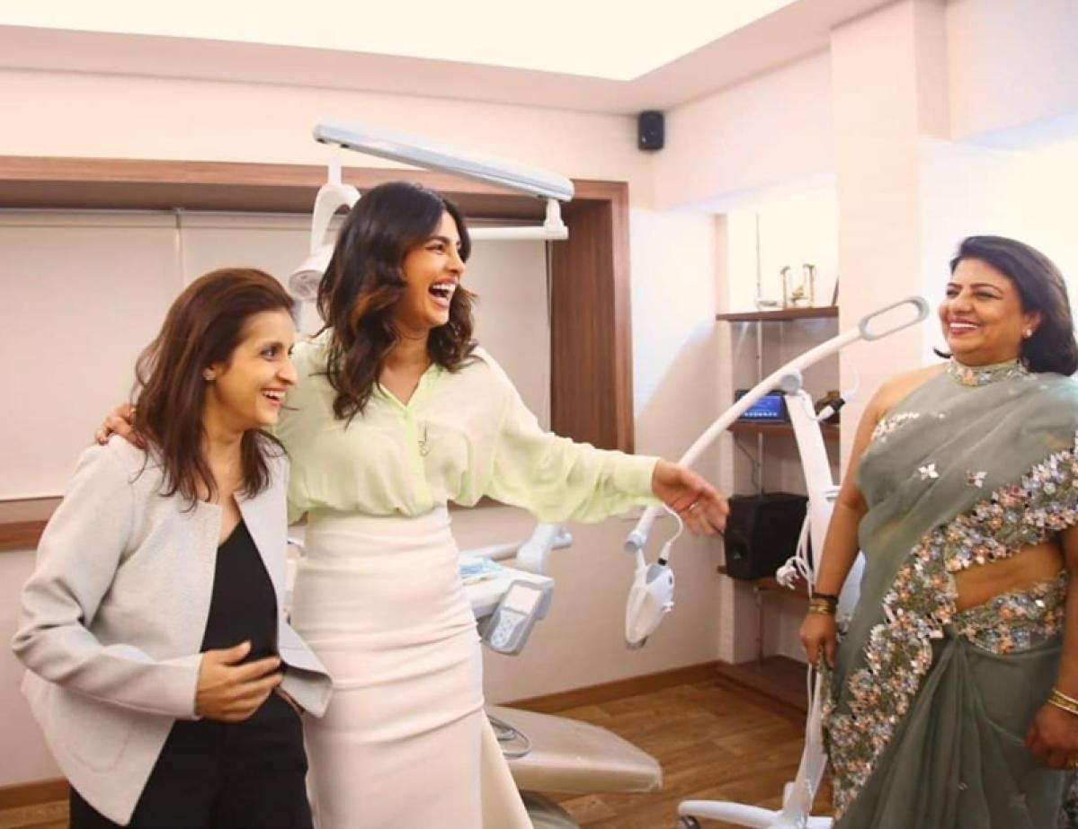 Priyanka Chopra wishes mother Madhu Chopra for her new venture