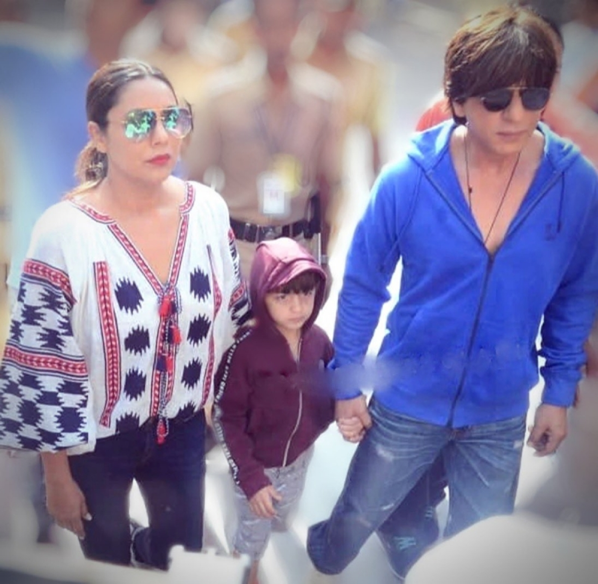 Shah Rukh Khan shows AbRam difference between boating and voting