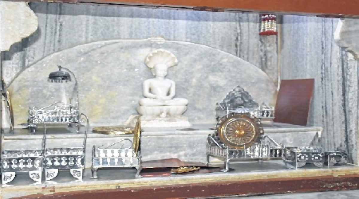 Indore: Thieves target Jain temple, take away idols, silver chhatra