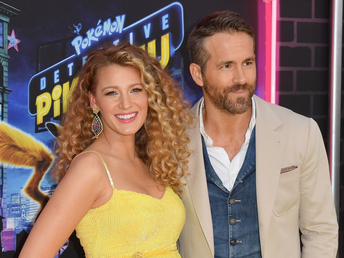 Blake Lively, Ryan Reynolds expecting third child; actress shows off baby bump at hubby's film premiere