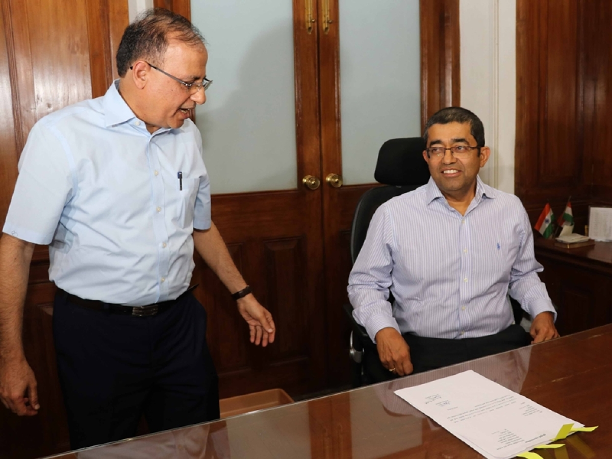 Praveen Pardeshi takes charge as BMC Commissioner