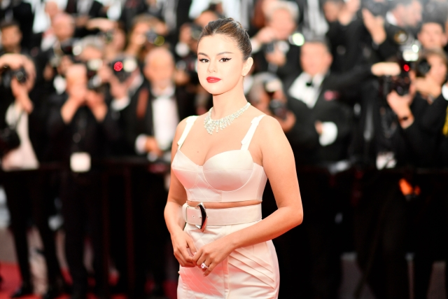 Selena Gomez goes ultra-glam for her '2019 Cannes Film Festival' debut